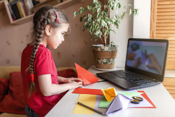 Maintaining School-Life Balance with an Online Learning Environment