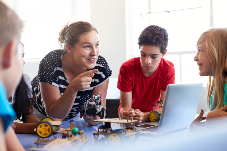 4 Ways SmartFox K12 Complements Public School Learning